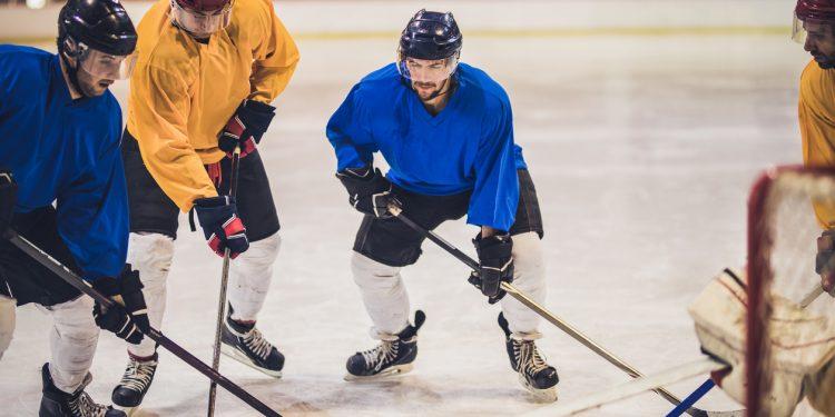 Hockey-CES-iStock-871129702-750x375